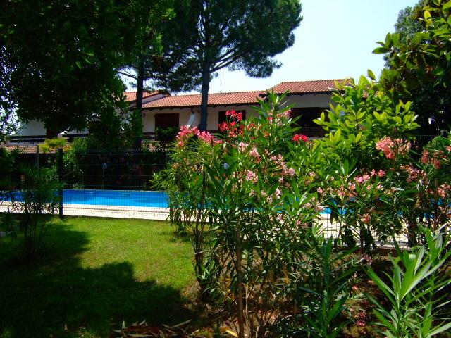 LE MANDRIOLE 9: Villetta bilocale in affitto in Residence con piscina ai Lidi Ferraresi