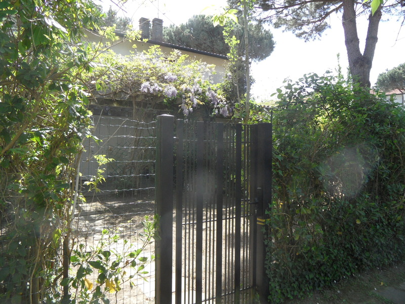 EDILNETTUNO: Affitto ampio appartamento con giardino a Lido di Spina