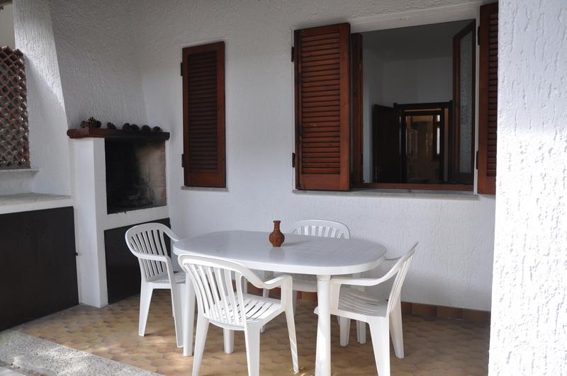 FINESTRA SUL VERDE: Lidi di Comacchio, affitto villetta con giardino e porticato