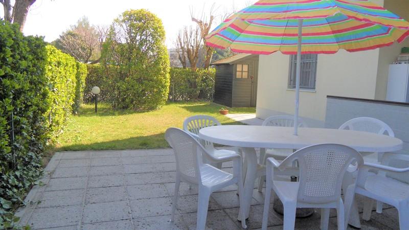 TREDI :  Vendita Lido di Spina bellissimo appartamento al piano terra in residence con piscina condominiale